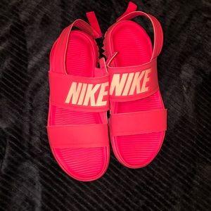 Nike Tanjun Sandle